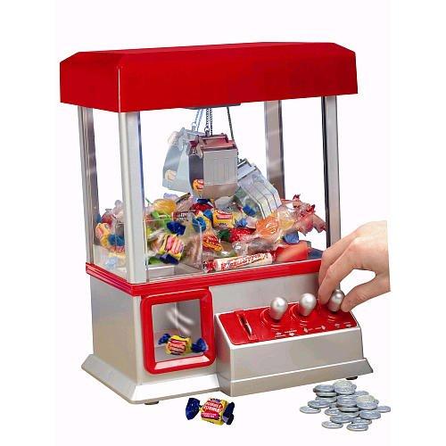 Mini claw machine - play til you win!