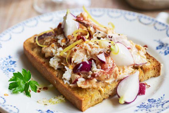 Simple crab bruschetta