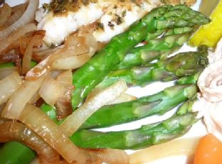 Olive Garden Asparagus With Lemon and Minced Onions Image