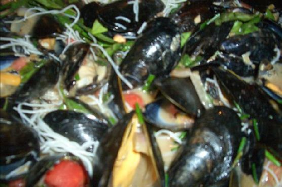 Cozze Umbro (Mussels in Italian Tomato Sauce)