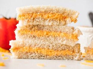 Tomato Twiddle- The Ultimate Tomato Sandwich Image