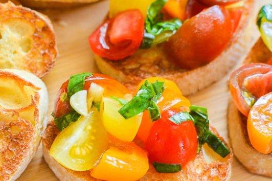Summer Tomato Bruschetta