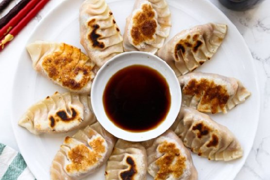 Kimchi Tofu Mandu (Korean Dumplings. – 만두)