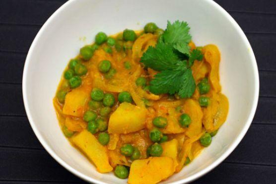 Potato and Pea Curry (Aloo Matar)