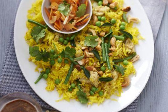 Vegetable vegan biriyani with carrot salad