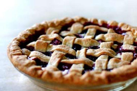 Rhubarb Berry Pie