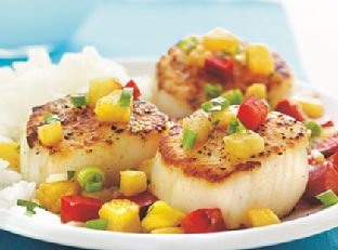 Seared Scallops with Warm Fruit Salsa Image