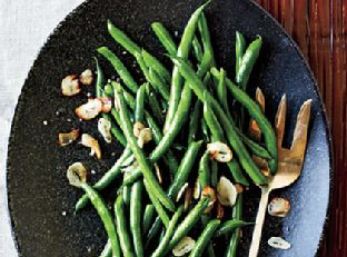 Green Beans with Toasted Garlic Image