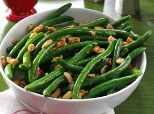 Roasted Garlic Green Beans with Cashews Image