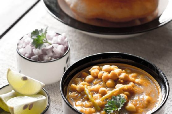 chole bhature , how to make chole bhature, chole bhatura