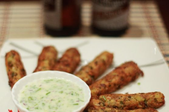 Bangus fritters with yogurt and honey dipping sauce | Food Stuff