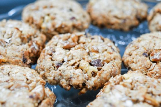 Walnut and Date Cookies
