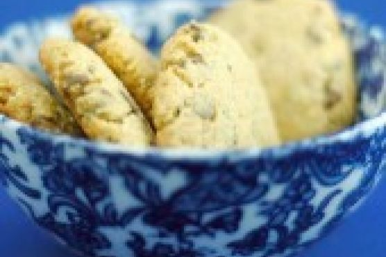 Chocolate chip hemp cookies