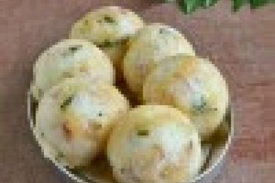 Chettinad Kara Kuzhi Paniyaram – South Indian Breakfast s