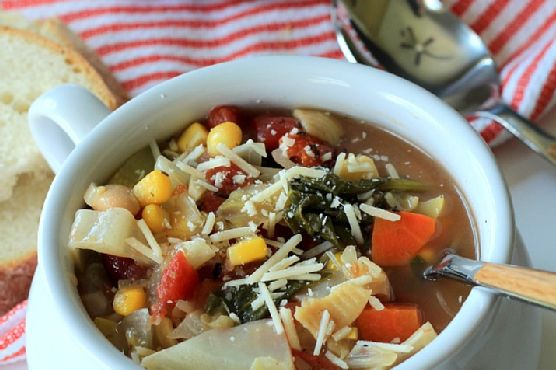 An Easy Classic Minestrone Soup