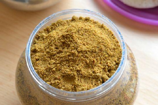 Curry Leaf and Peanut Idli Milagai Podi