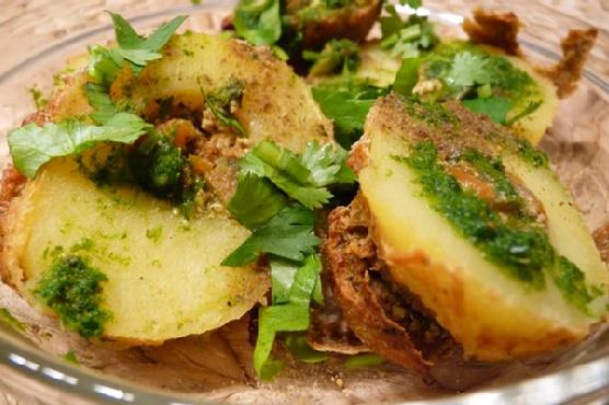 Baked Stuffed Potatoes (Tandoori Potatoes)