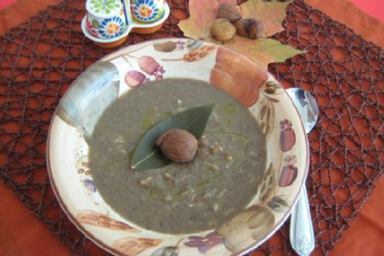 Delicious Creamy Lentils and Chestnuts Soup