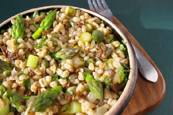 Farro With Mushrooms and Asparagus