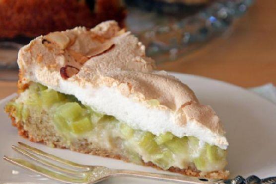 German Rhubarb Cake with Meringue
