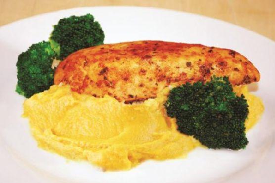 Herb chicken with sweet potato mash and sautéed broccoli
