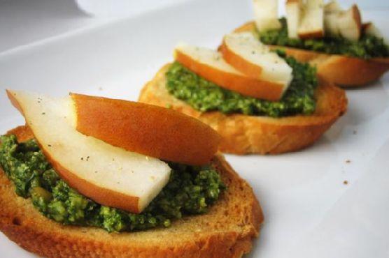 Pear and Pesto Crostini
