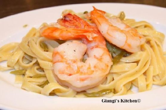 Poached Prawns with Fettuccine and French String Beans