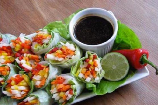 Vegetarian Spring Rolls With Garlic Lime Sauce