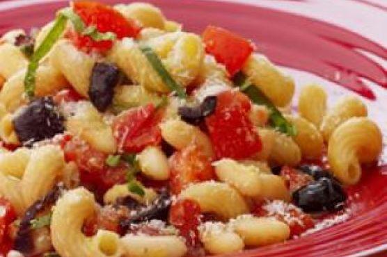 Pomodoro Pasta with White Beans & Olives