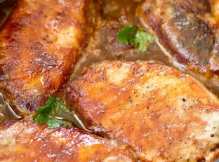 Crockpot Pork Chops with Apples and Onions