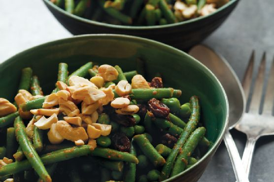 Green Bean Curry with Peas and Cashews