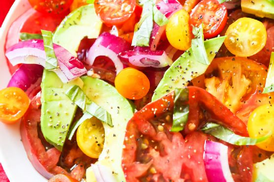 Tomato Salad with Avocados and Onions