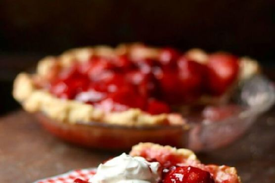 Fresh Strawberry Pie : A Shoney's Copycat
